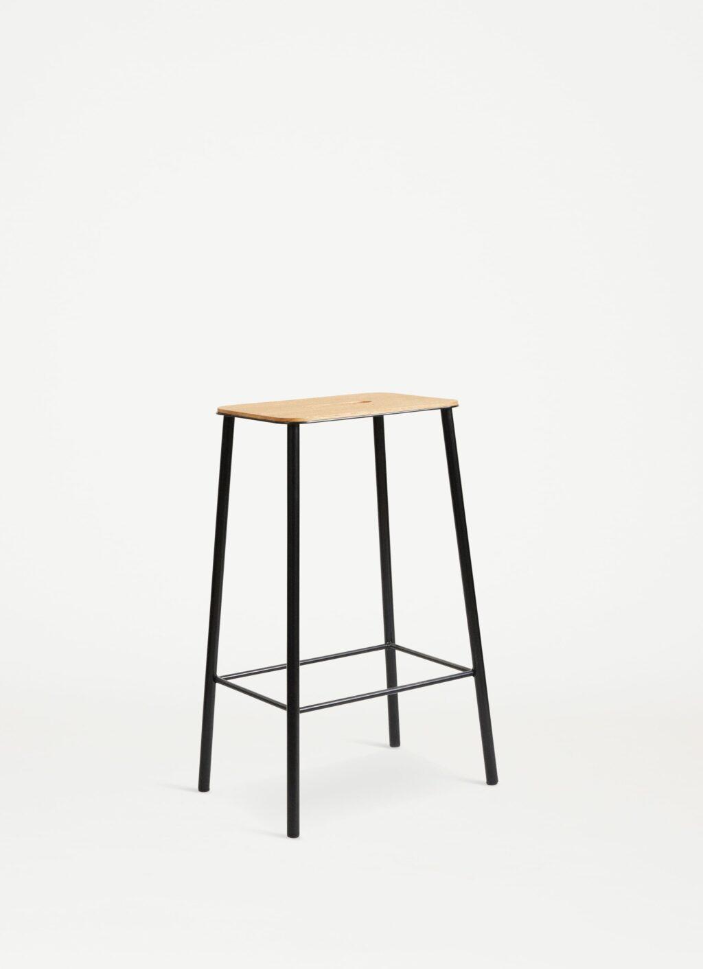 Adam Stool – H650 Matt Black - Oak Seat