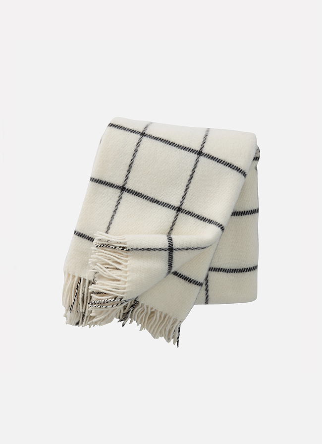 Vinga Island Wool Throw white