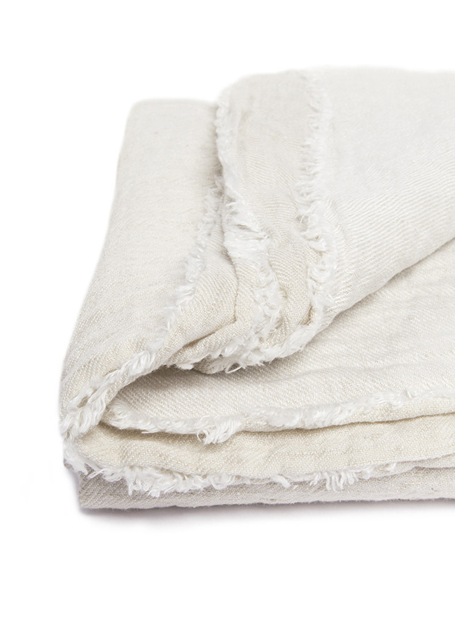 volta_moelle_linen_throw_almond_detail1