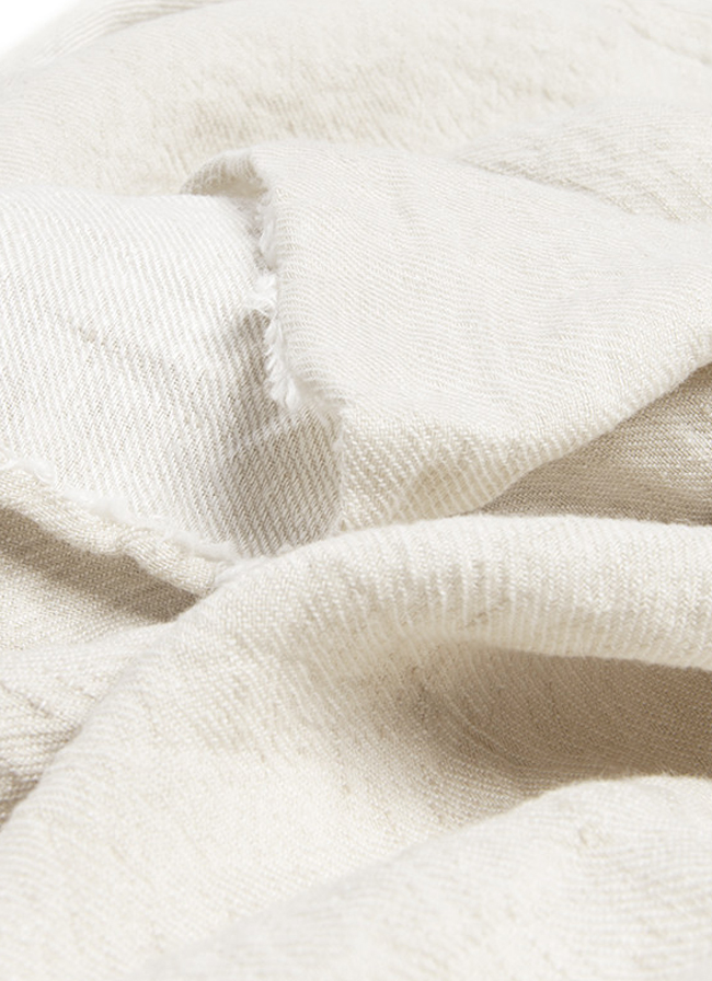 volta_moelle_linen_throw_almond_detail2
