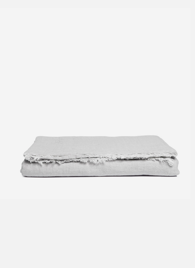By Mölle – Linen throw – misty grey – 145 x 250cm