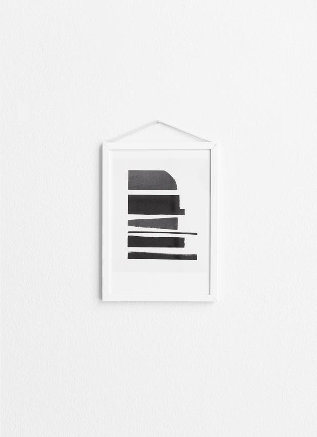Moebe Frame – White Aluminium – Small