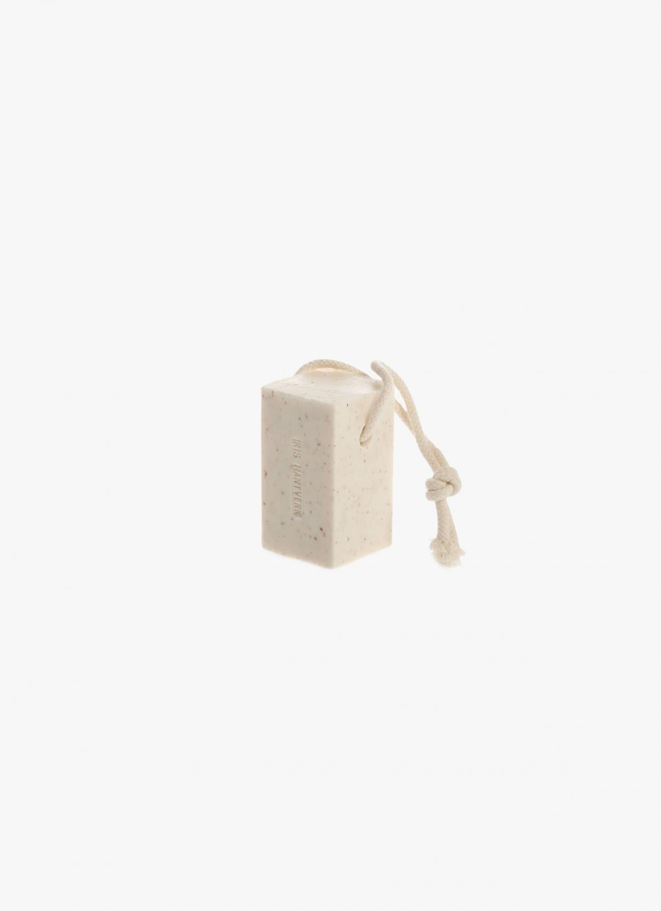 Iris Hantverk - Soap on a roap - Almond