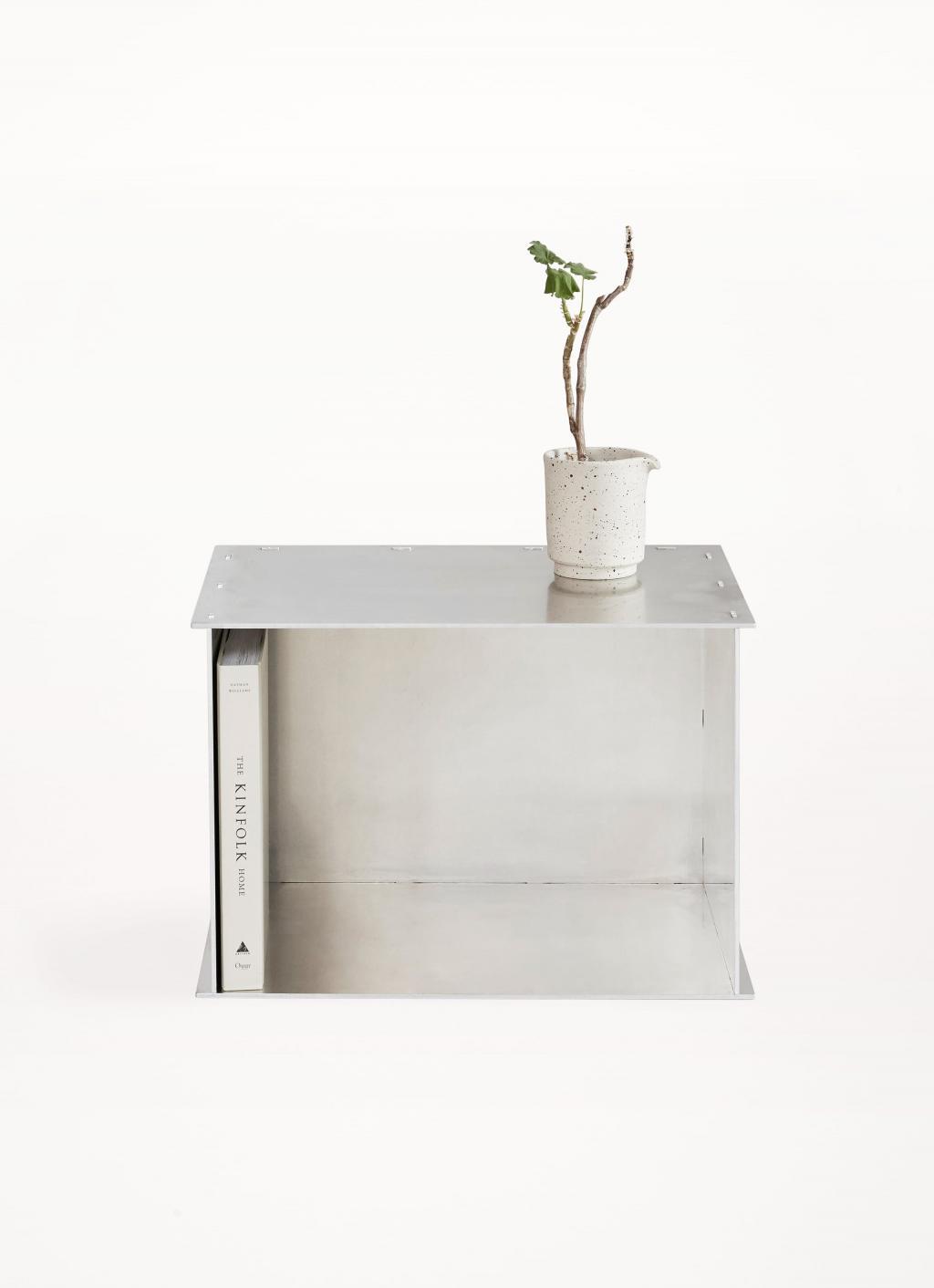 Frama -Volta-Rivet-steel-brass-oak-table-library-adam-otto