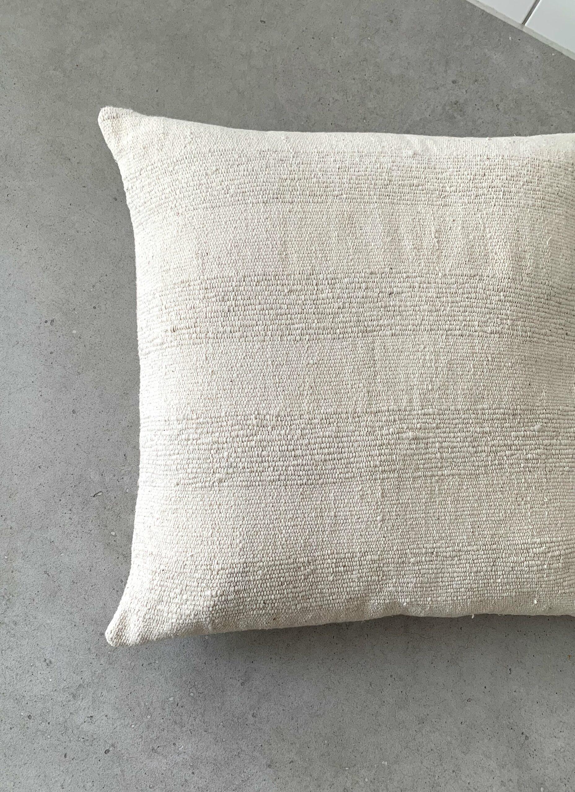 Que onda vos - Handwoven Cushion - Sueno Dulce - 50 x 50cm