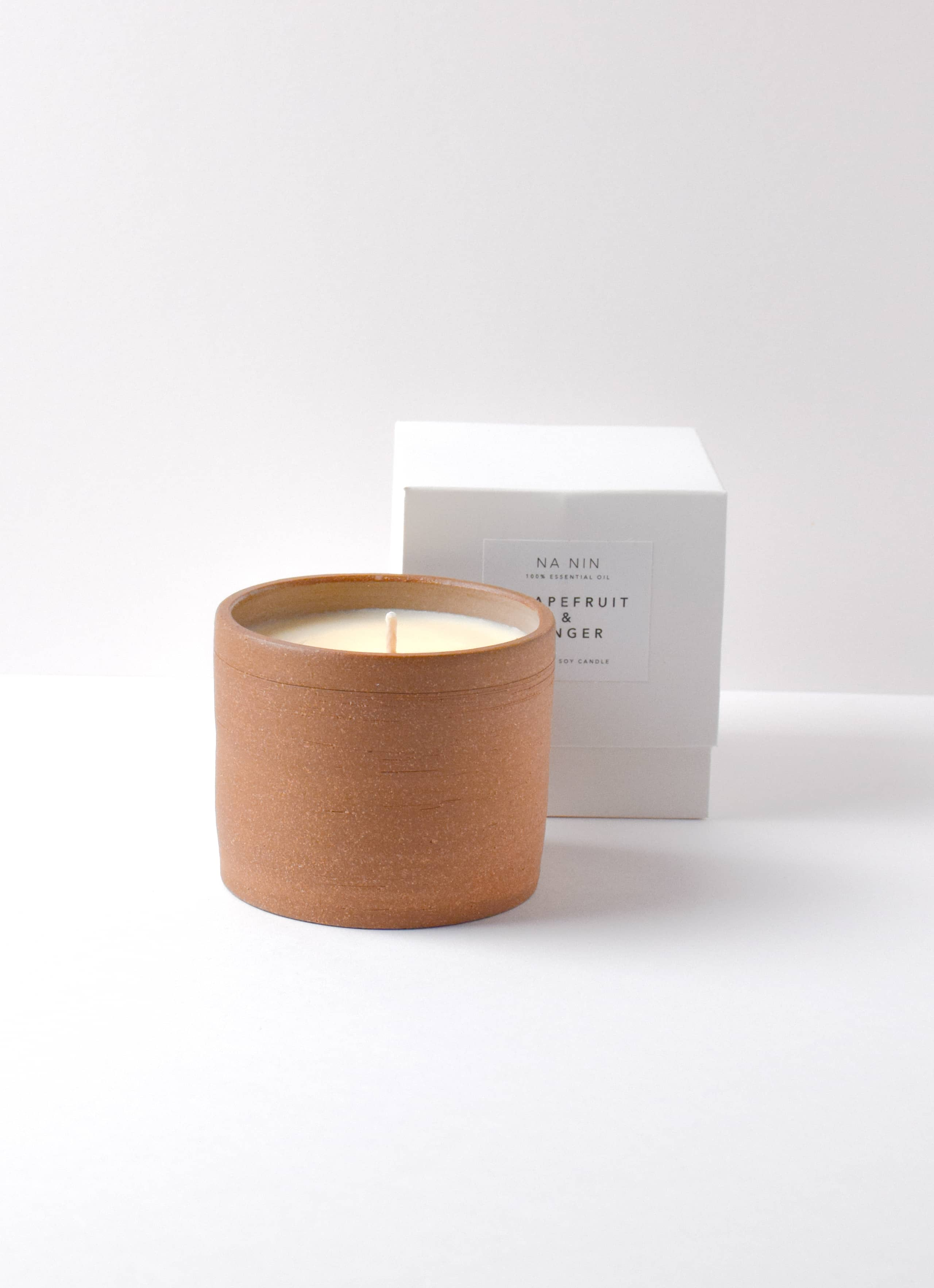 Na Nin - Terracotta Soy Wax Candle - Grapefruit and Ginger