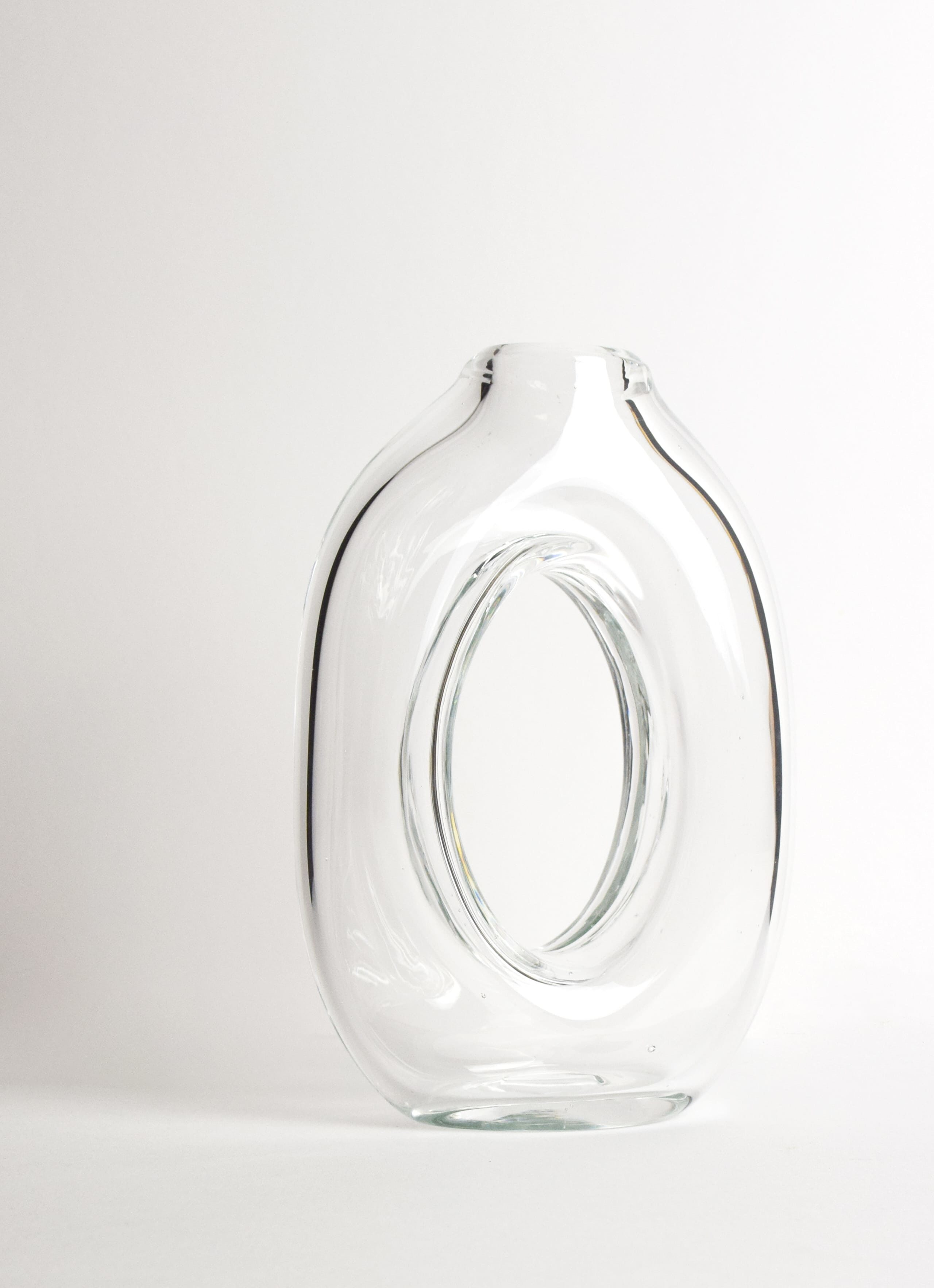 Nanda Soderberg - Handblown Loop Glass Vase - transparent