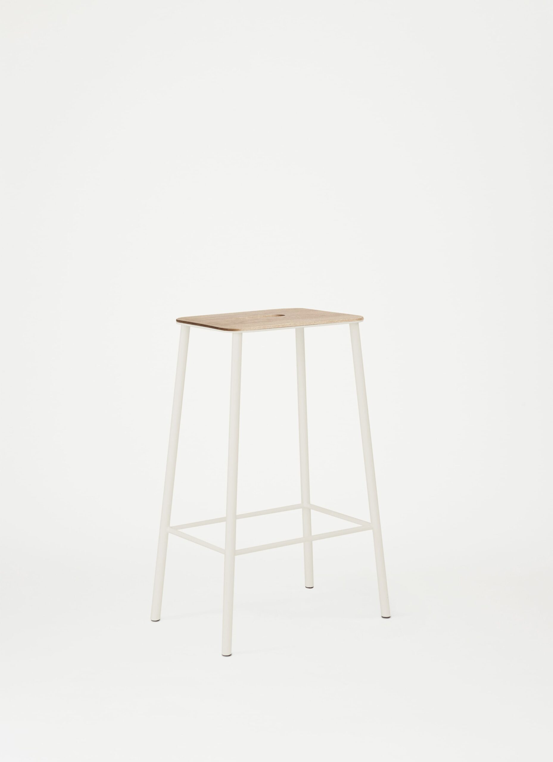 Adam Stool - H65 - Sand - Oak Seat