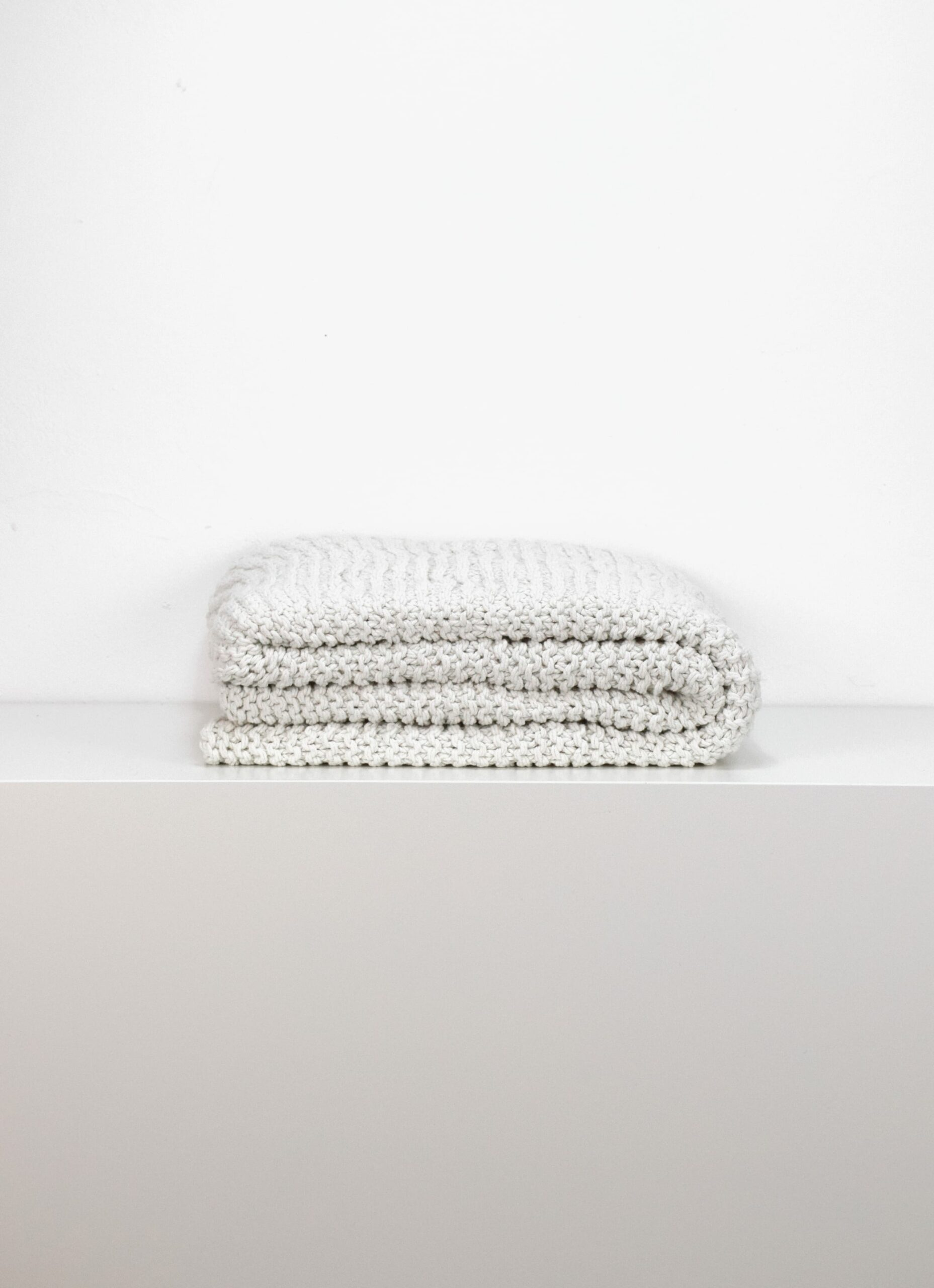 Tell Me More - Knitted Blanket - Offwhite