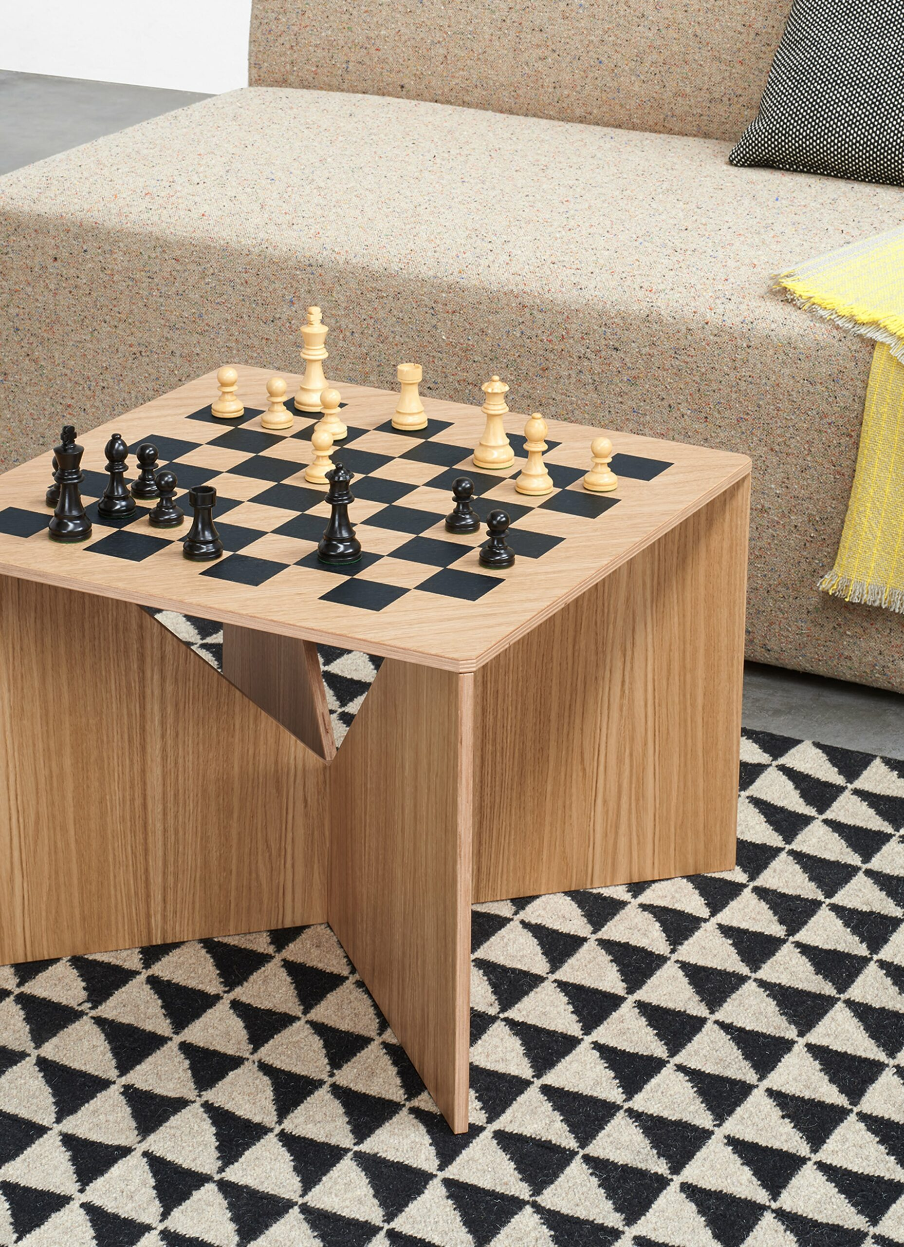 e15 - Ferdinand Kramer - Calvert Chess - Coffee table