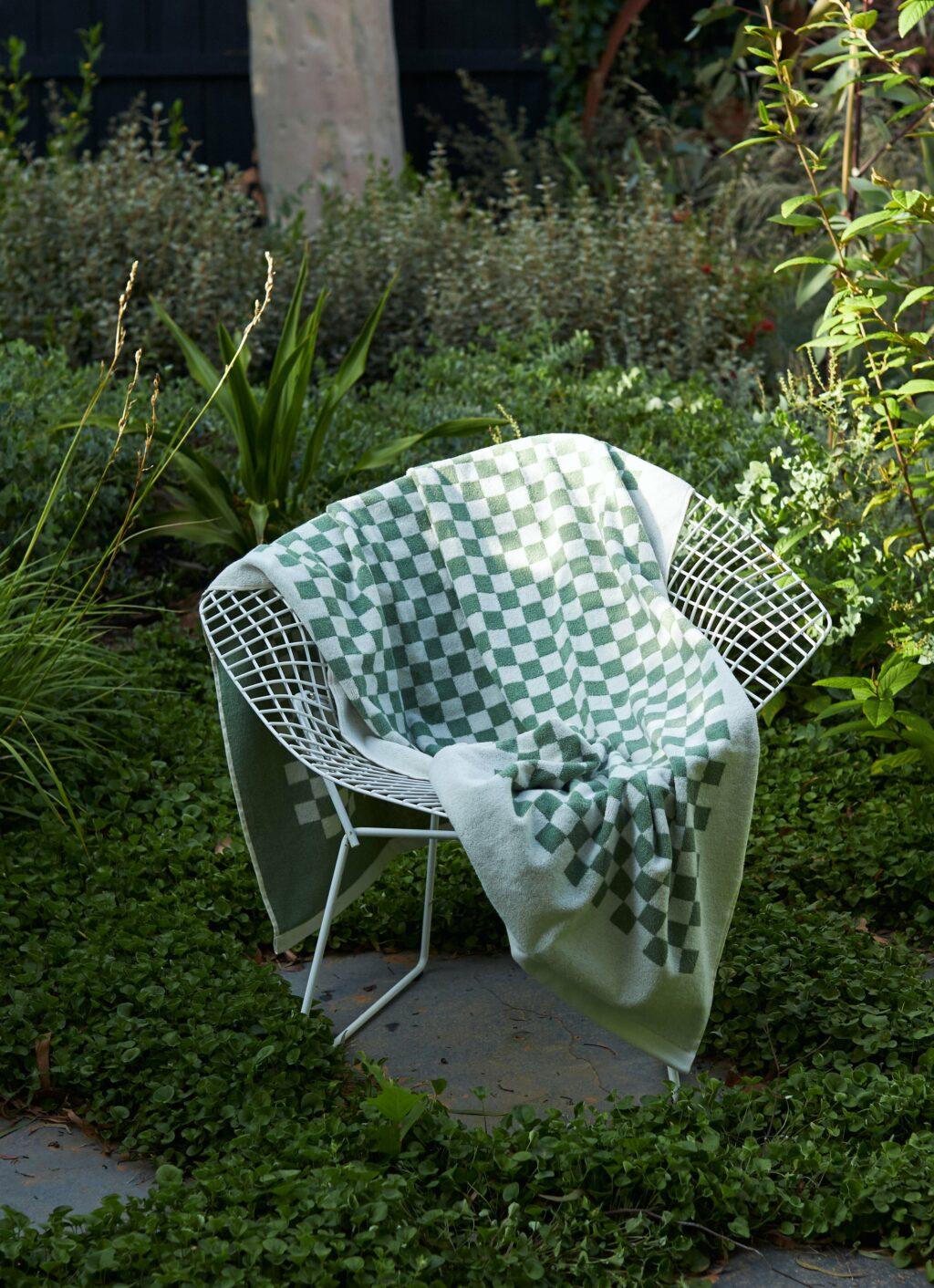 Baina - Organic Cotton - Pool Towel - Roman - Sage and Chalk - 170 x 90 cm