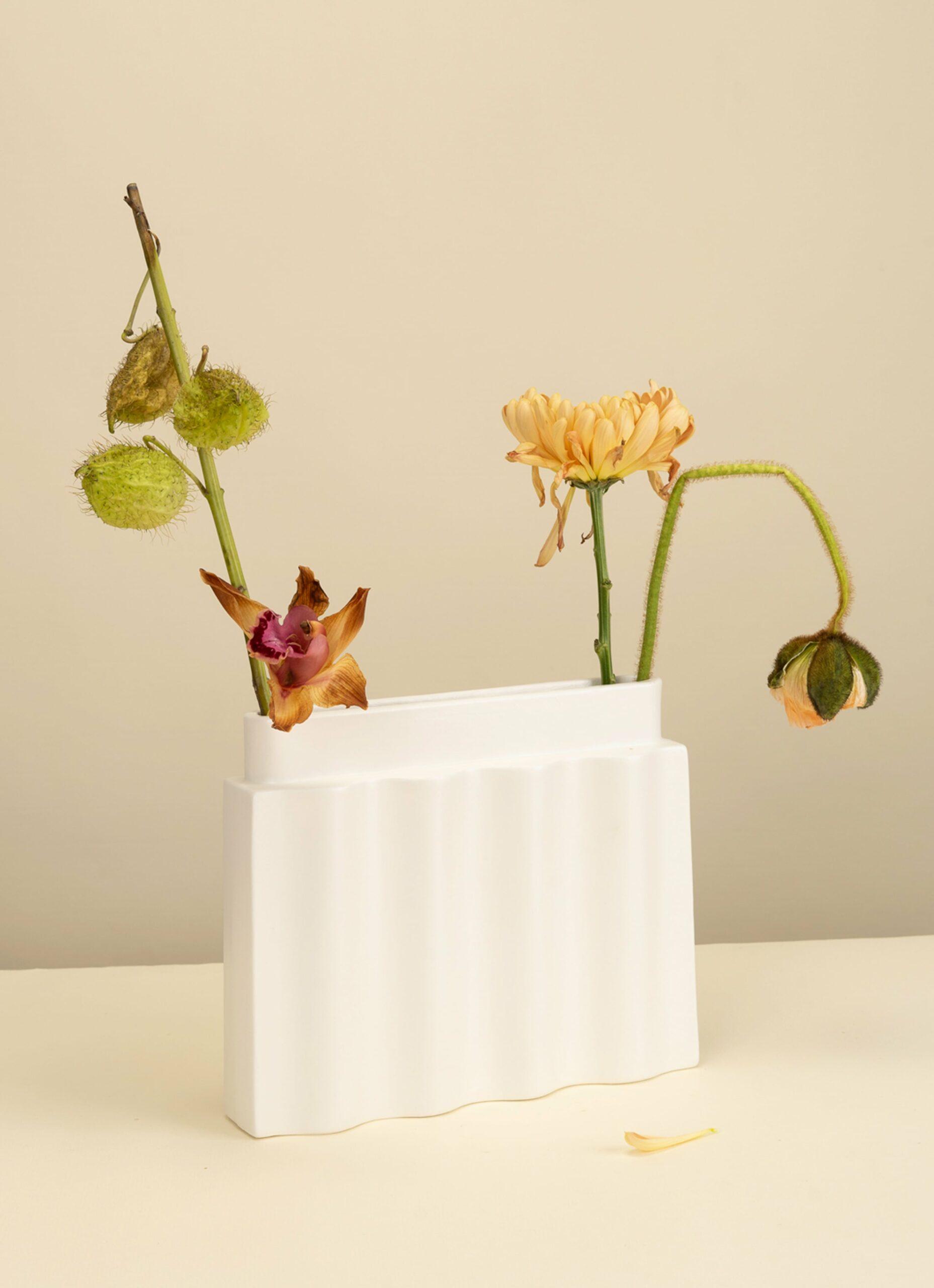 Los Objetos Decorativos - Waves Vase - White
