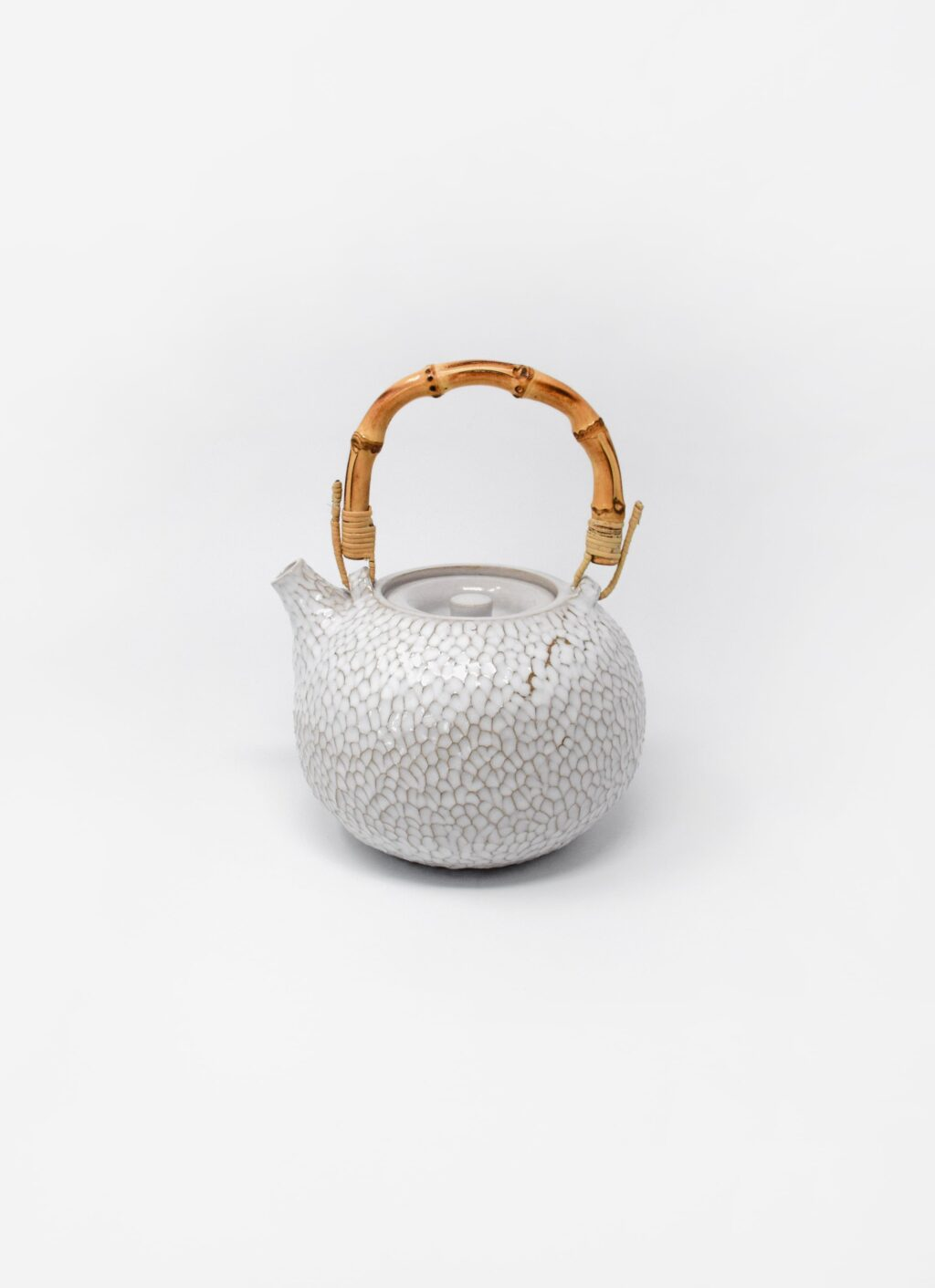Aurore Vienne - Carved Ceramic Teapot with Bamboo Handle - white