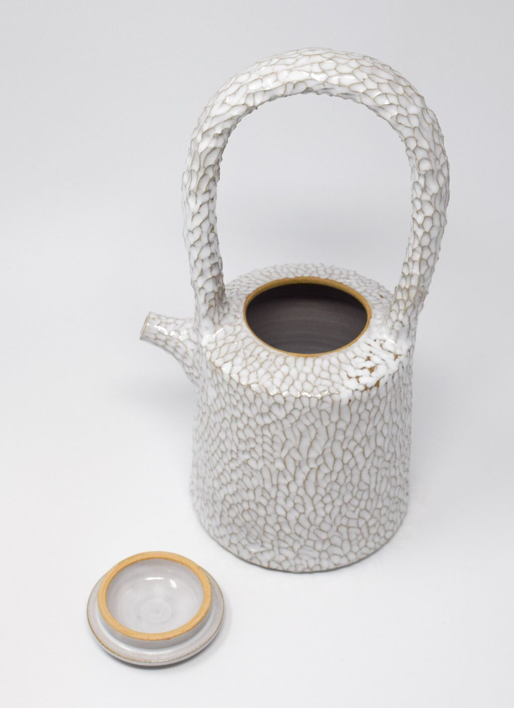 Aurore Vienna - Carved Ceramic - High Teapot with Ceramic Handle